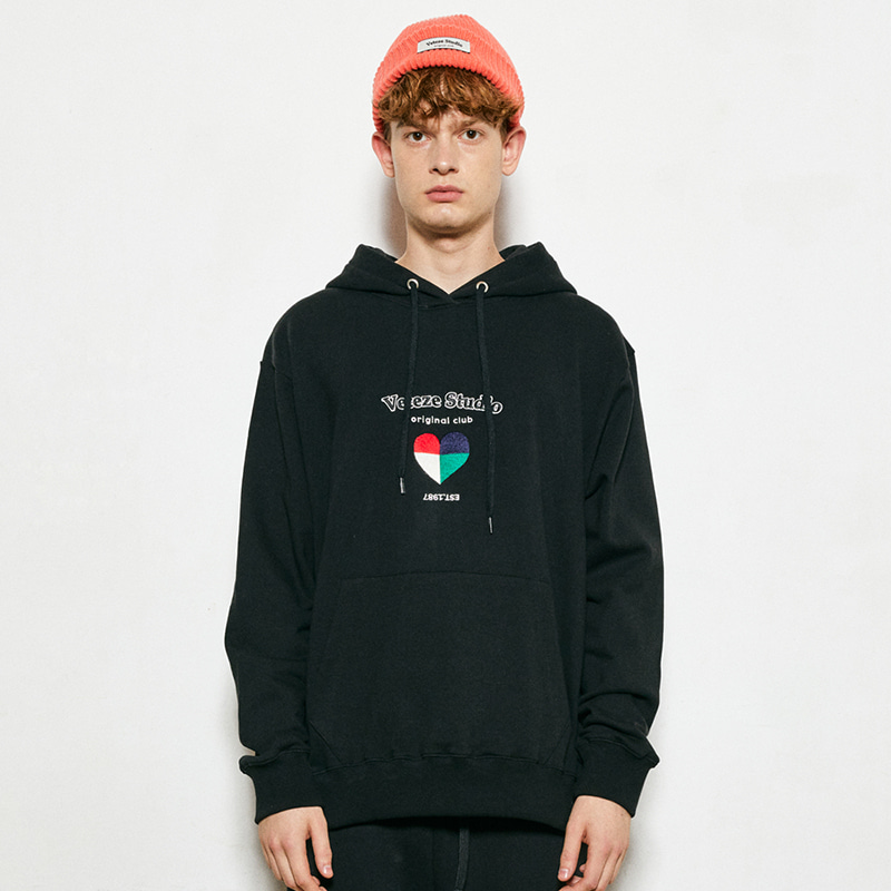 Studio Heart Hood (black)